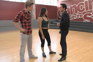 Watch The Dancing With The Stars Judges Check in With The Contestants Before Next Week's Season 19 Finale