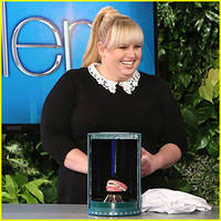 Rebel Wilson Sells Dentures During 'Ellen Show' Game